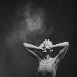 """Крик / из серии """"Гравитация"""" модель: Светлана"""