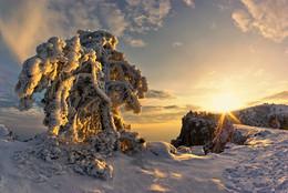 На краю Земли (репост) / Крым, Ай-Петри. http://www.youtube.com/watch?v=d-IhzR7d6vU